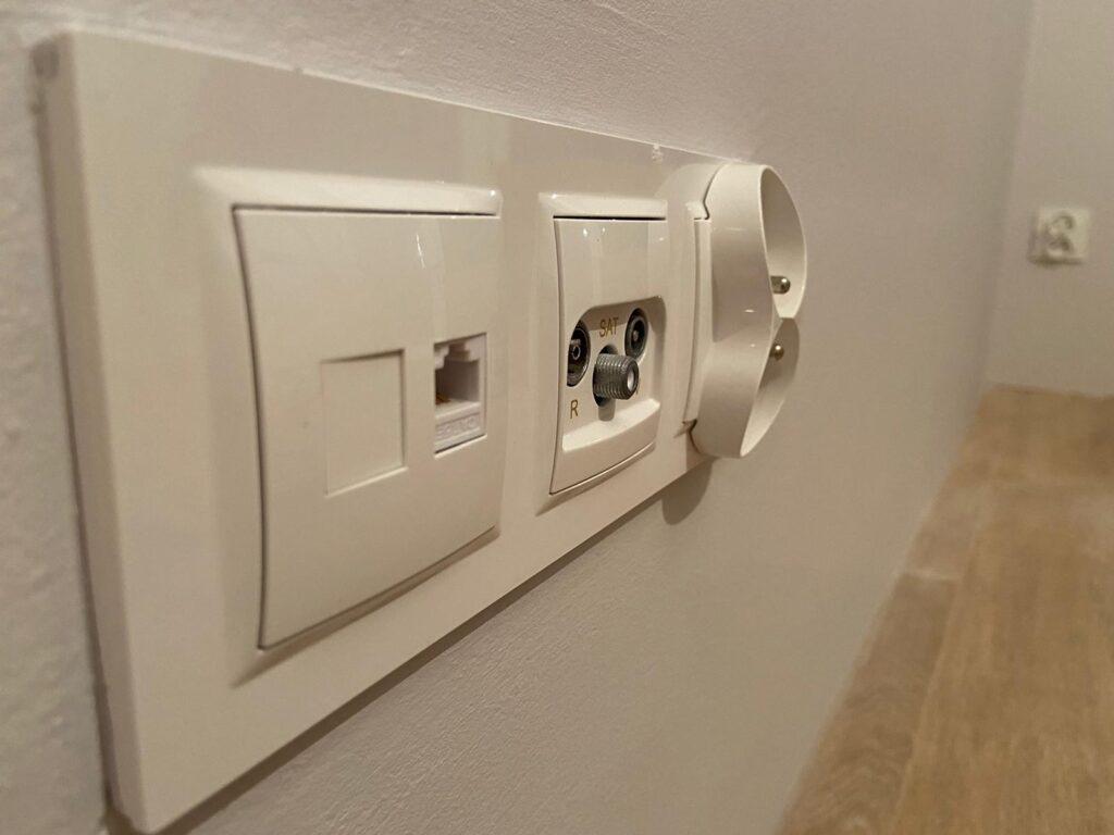 elektryk bydgoszcz wykonal gniazdo dla elektryk kwidzyn